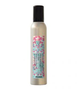 Keo xịt tóc Davines Curl Moisturizing Mousse - 250ml